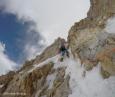 fredrik strang climbing house's chimney on K2 2017