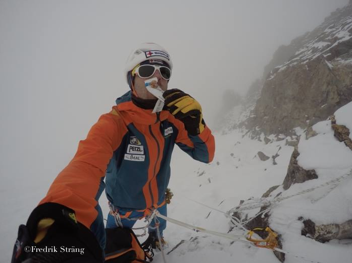 fredrik strang eating ON K2 IN 2017